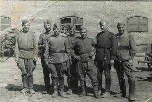 Алтухов Михаил Николаевич (третий справа). Чехословакия. 1945 г.